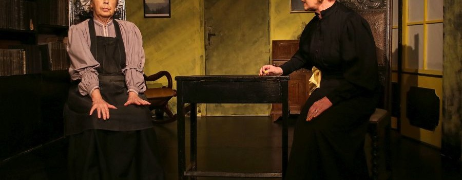 """""""Der Scheiterhaufen"""" im Theater Experiment: Tragische Lebenslügen in der Eiseskälte"""