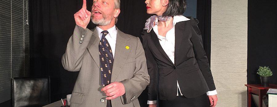 """""""Die Drei von der Zweigstelle"""": Virtuoses Pointen-Ping-Pong im Theater Center Forum"""