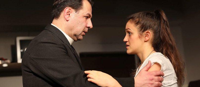 """""""Die Sakrilegia"""" im Theater Experiment: Gefühle, Gelübde und ein Tagebuch aus der Vergangenheit"""